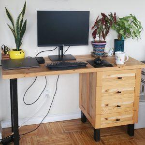 custom desk by naturally wood of Nanaimo, BC